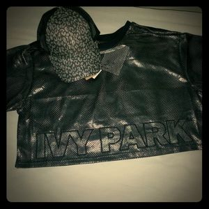 New,IVY PARK CROP TOP! hat not included..